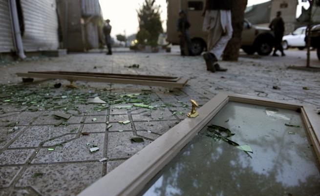Над 20 жертви при самоубийствен атентат пред полицейска академия в Кабул