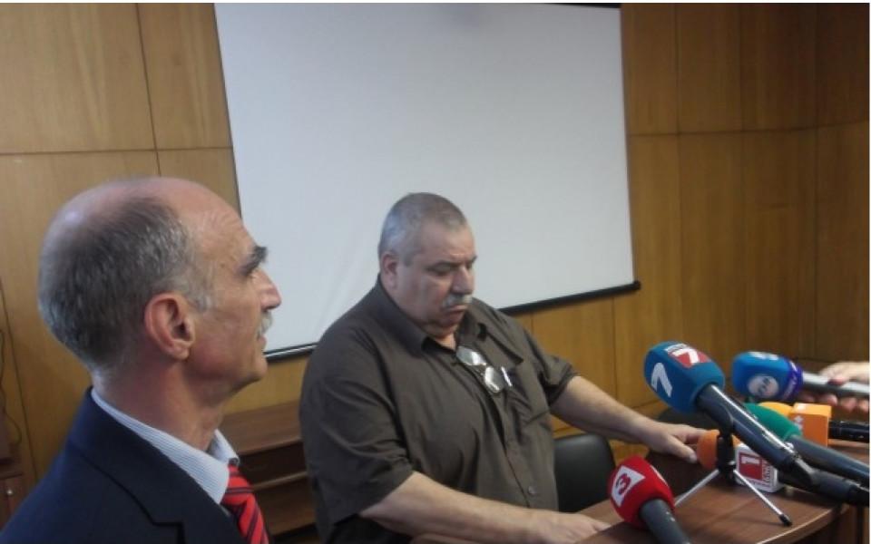 Касев завежда съдебен иск срещу Добрев, прави стадион в Младост