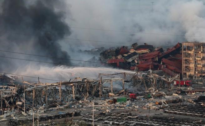 Водата в гасенето на пожара в Тиендзин може би е била грешка
