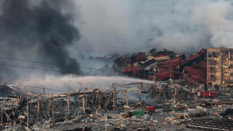 Водата в гасенето на пожара в Тиендзин била грешка