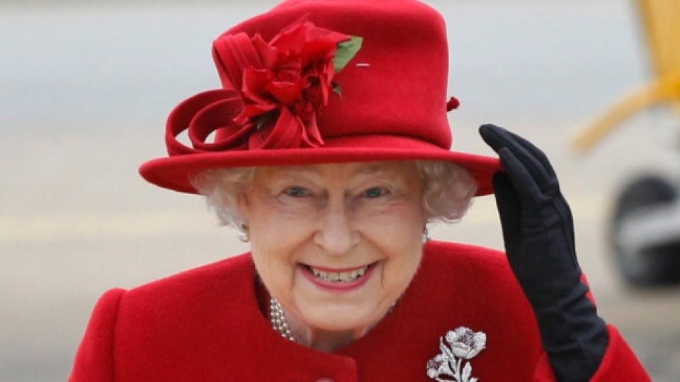 10 факта, които не знаете за Елизабет II