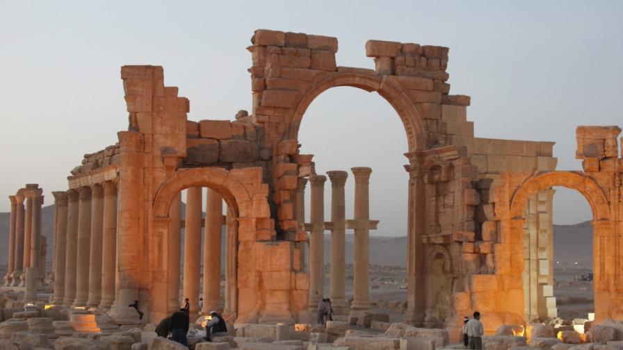 """""""Ислямска държава"""" методично унищожава паметници, които са част от световното културно наследство"""
