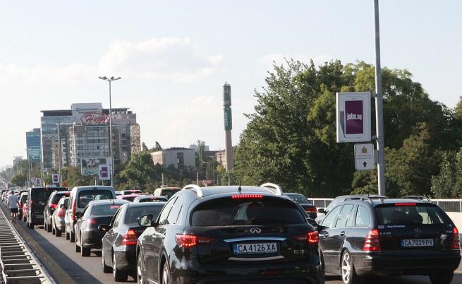 Идея: Такси за коли от провинцията, идващи в София