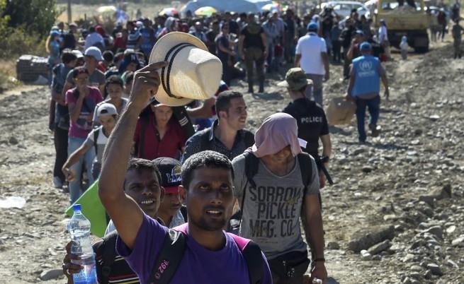 Мигрантите от македонската граница стигнаха до Унгария
