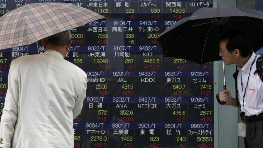 Китайски финансист хвърли вината за борсовия срив върху САЩ