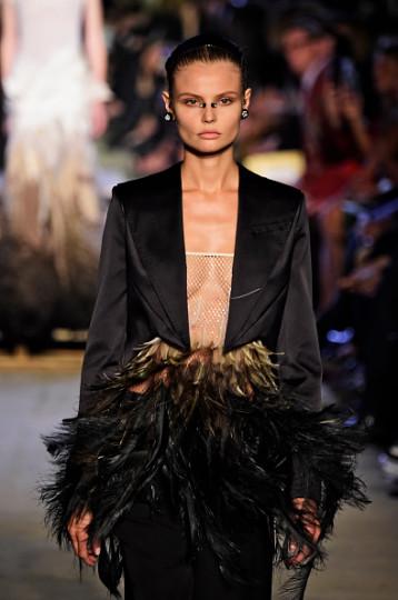 Ревю на Givenchy по време на Нюйоркската седмица на модата