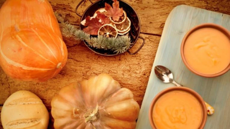 храна октомври есен тиква