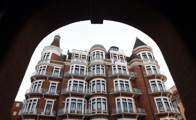 Британската полиция спря денонощното наблюдение за Асандж пред посолството на Еквадор