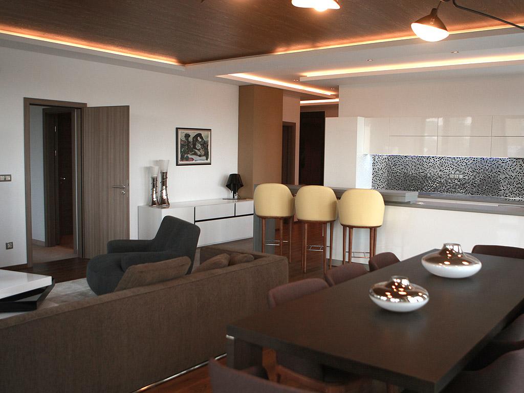 MM WORLD Собствен дом с лукс на 5 звезден хотел