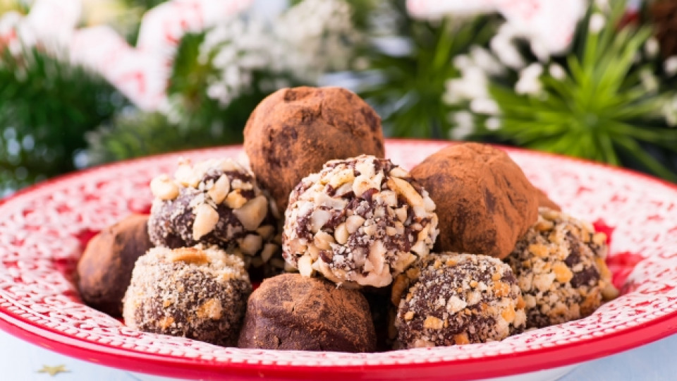 Орехови трюфели със стафиди