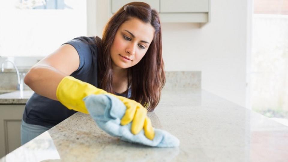 Как да почистите лесно разлято олио
