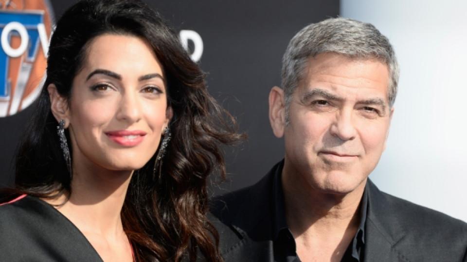 Амал и Джордж Клуни са вече щастливи родители на близнаци