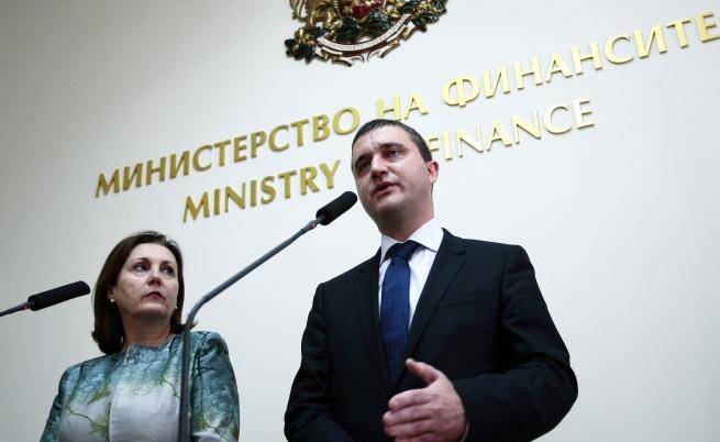 Горанов: Няма намаляване на възнагражденията в МВР