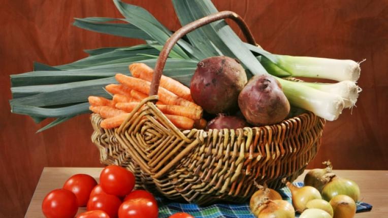 зеленчуци есен праз лук боровинки