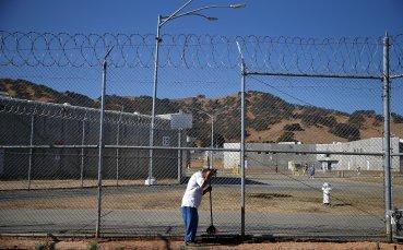Надзиратели в затвори спечелиха турнир по стрелба
