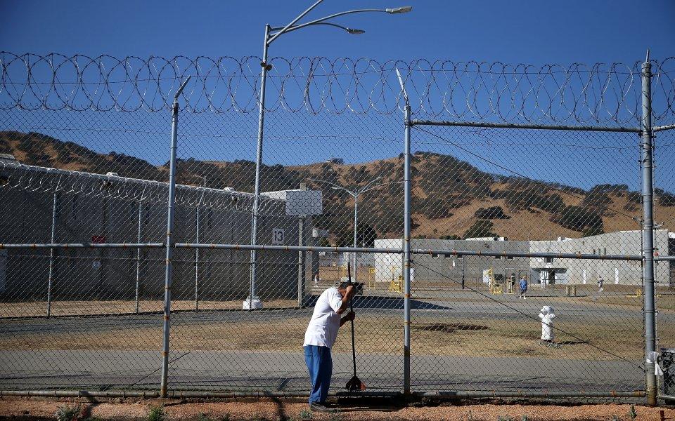 С общо 36 участници от всички 12 затвора в страната