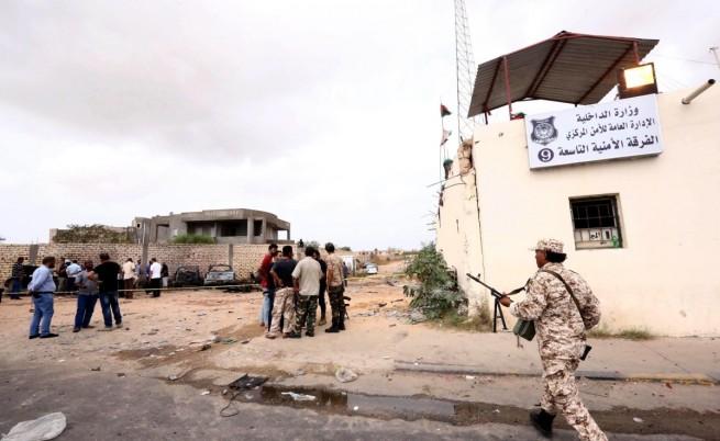 Отвлечени са двама души от сръбското посолство в Либия
