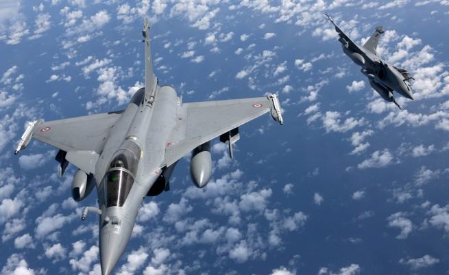 Франция отговори с бомбардиране в Ракка