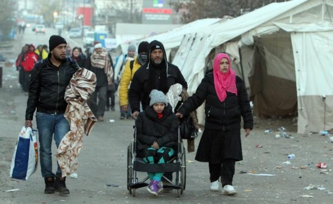 """Сърбия има план """"Б"""" ако други затворят границите си за бежанци"""