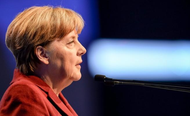Меркел поиска ЕС да сподели бежанците с Германия