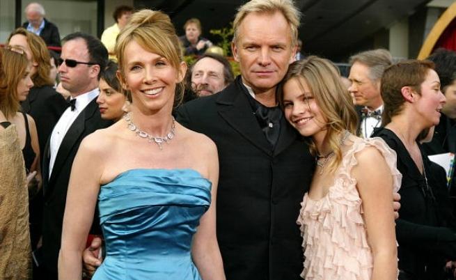 Стинг със съпругата си Труди и с дъщеря си Елиът през далечната 2004 г.