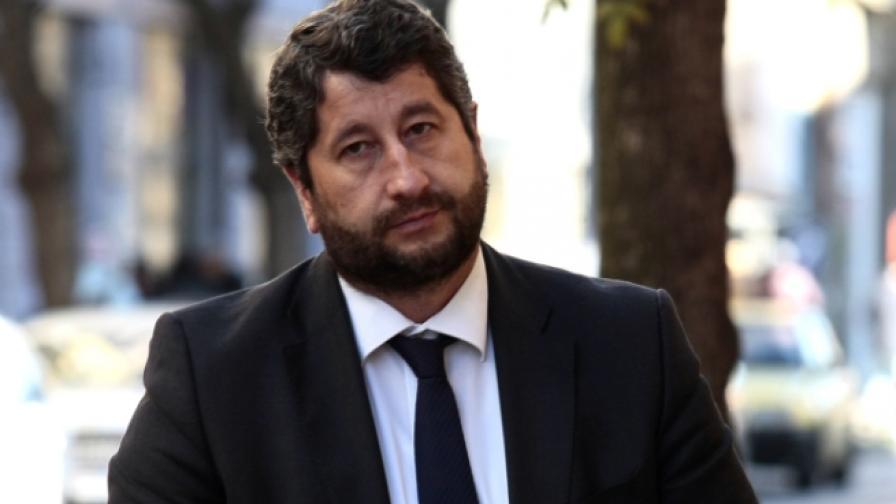 Христо Иванов не беше допуснат до брега на имот, свързан с Доган