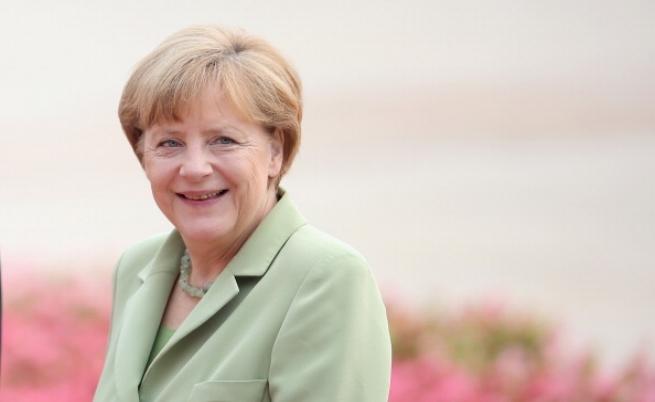 Меркел допусна изменение на европейските договори в дългосрочен план