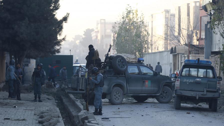 Ликвидираха терористите в Кабул, 6 са другите жертви