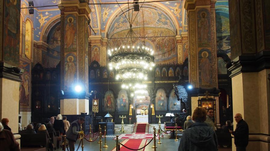 Църковните свещи поскъпват двойно