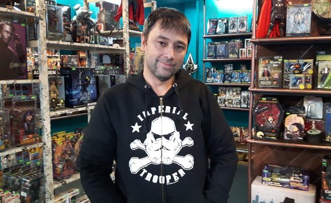 Христо Коцев, фен на Star Wars, собственик на фен магазин и издател