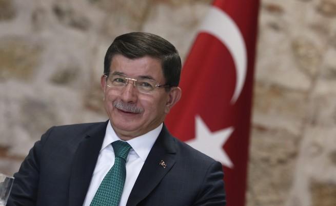 Турският премиер Ахмет Давутоглу идва в България