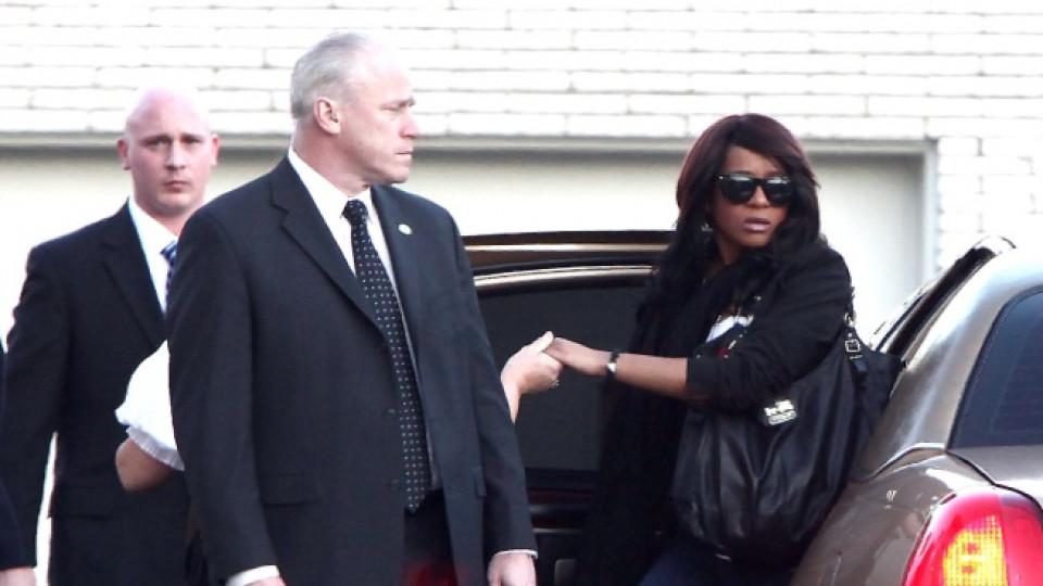 Дъщерята на Уитни Хюстън, Боби Кристина пристига на частната церемония за погребението на своята майка в гр. Нюарк, 17 февруари 2012 г.