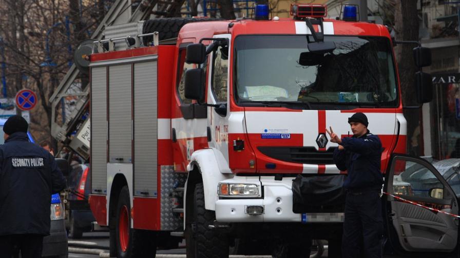 Детенце загина при пожар, семейството му е в болница