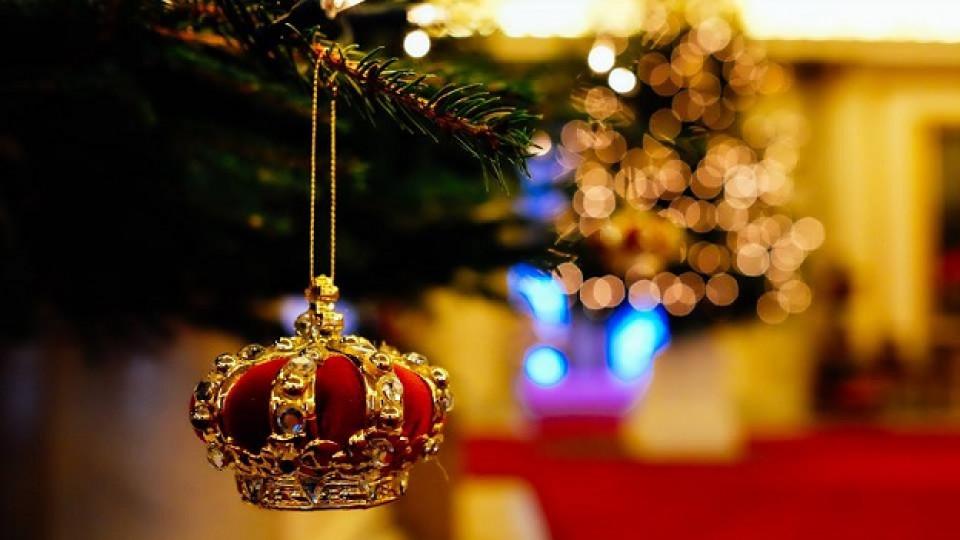 Коледната украса на Кралицата