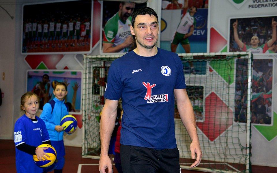 Волейболен празник на Коледа организира Владо Николов