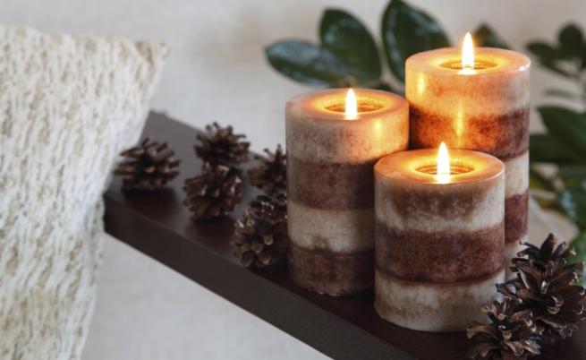 Ароматни свещи, най-вече с мирис на ванилия. Според проучване, публикувано в академията на Оксфорд, ванилията има успокояващ ефект върху хората. Приятният аромат се препоръчва за отпускане. Може да пробвате не само със свещи, но и с етерични масла.