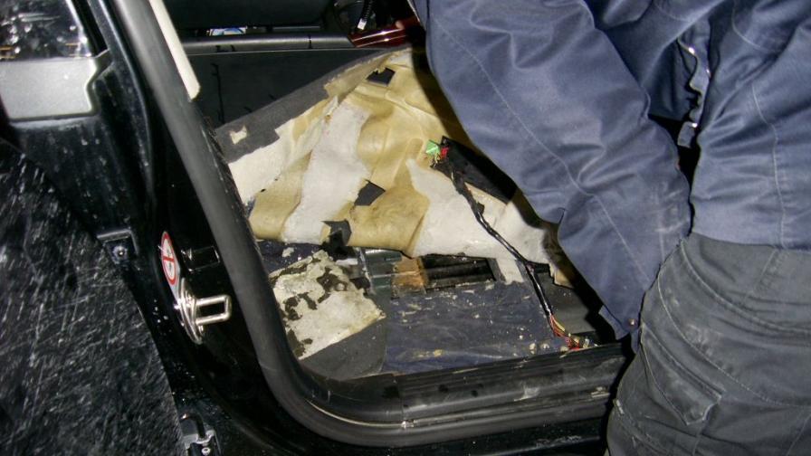 Хванаха оръжия и амуниции на влизане от Турция