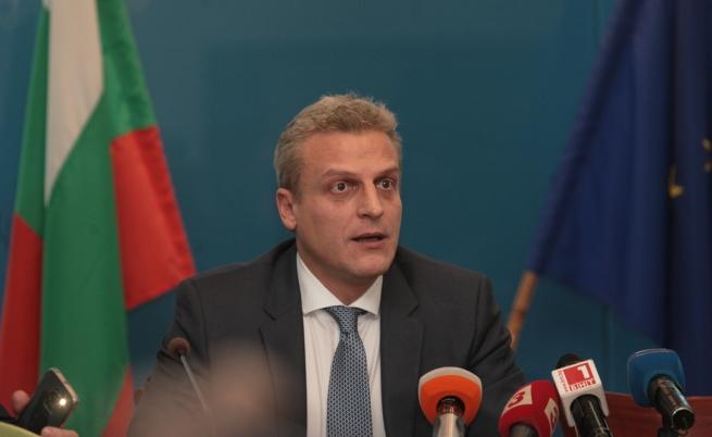 Москов: Не ме интересува вотът на недоверие