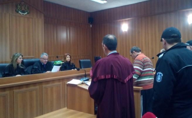 Бившият кмет Иван Евстатиев остава в ареста