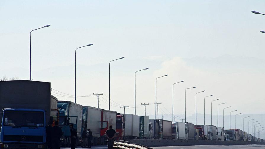 БГ превозвачи плашат с блокада границата с Македония