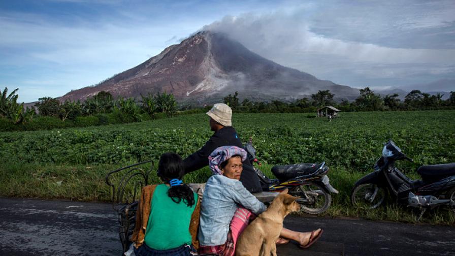 Силно земетресение в Индонезия