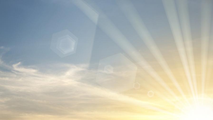 Южен вятър води слънчево и топло време над България
