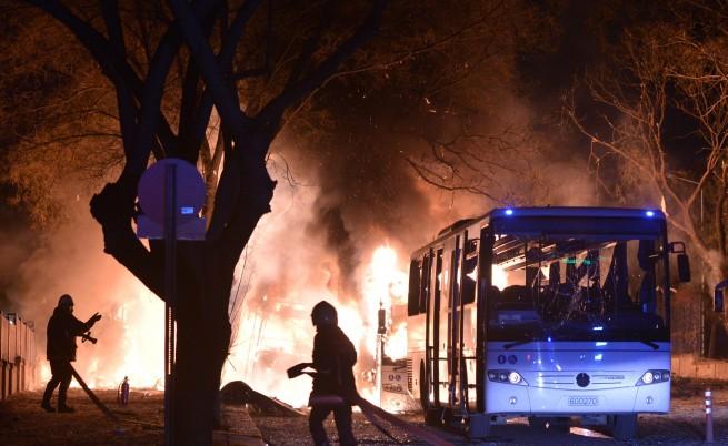 Давутоглу обвини сирийските кюрди за атентата в Анкара