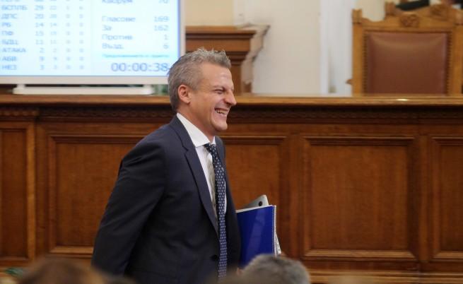 Москов обяви нова поръчка за ваксини за 28 млн. лв.