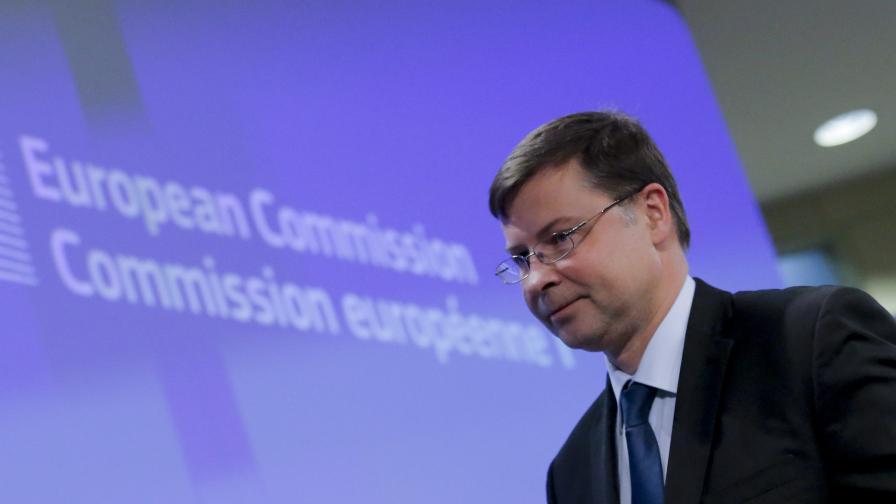 Домбровскис: В ЕС само България спазва критерия за бюджетен дефицит