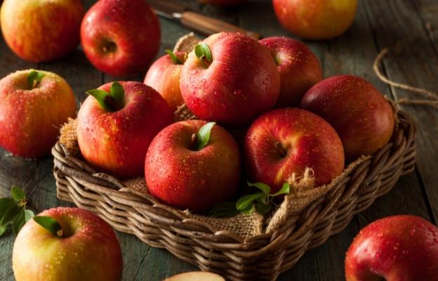 Ябълка - тя ни кара да се чувстваме сити и регулира храносмилането.