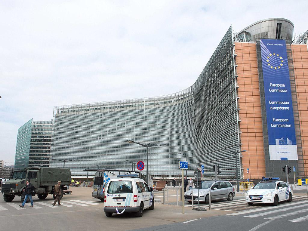Броят на жертвите от днешните атентати в Брюксел нарастна до 34 души. 20 човека са загинали при трите взрива в метрото, а останалите 14 са починали при нападението на летището в Брюксел