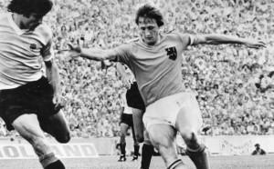Преди година футболният свят осиротя