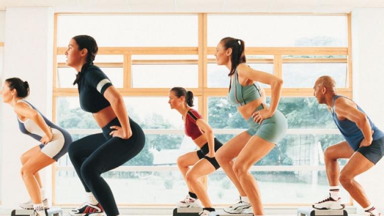 спорт аеробика жени фитнес