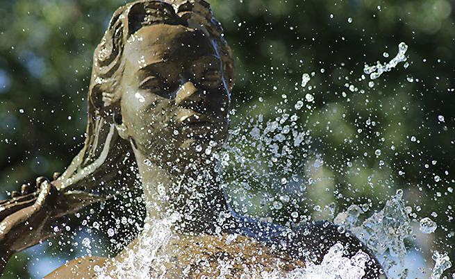 Пет любопитни (и малко тревожни) факта за водата, които (може би) не знаете
